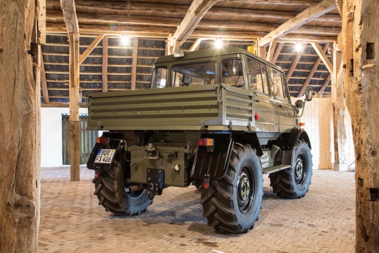Luftwaffe Mercedes-Benz Unimog 4