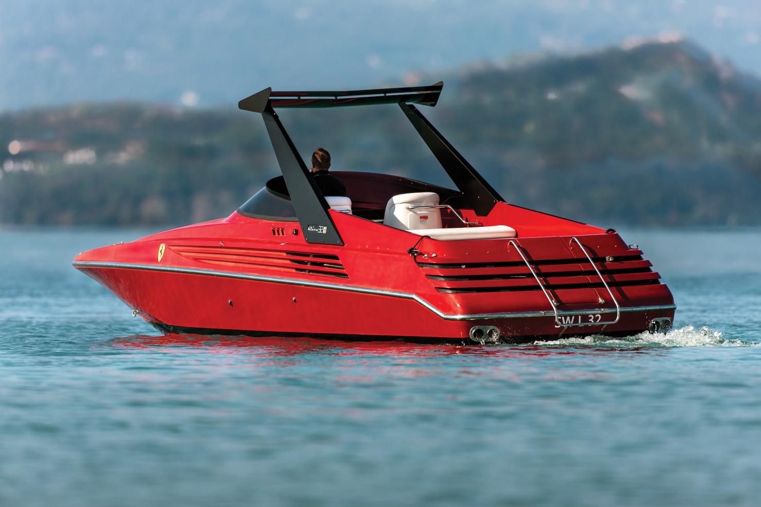Riva Ferrari 32 1