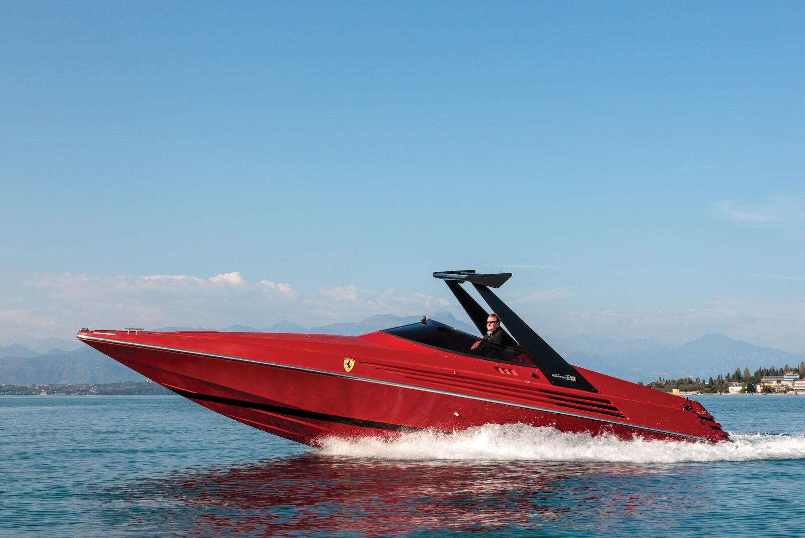 Riva Ferrari 32 1600x1069