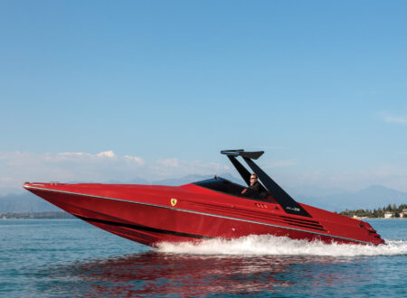 Riva Ferrari 32 450x330 - Riva Ferrari 32