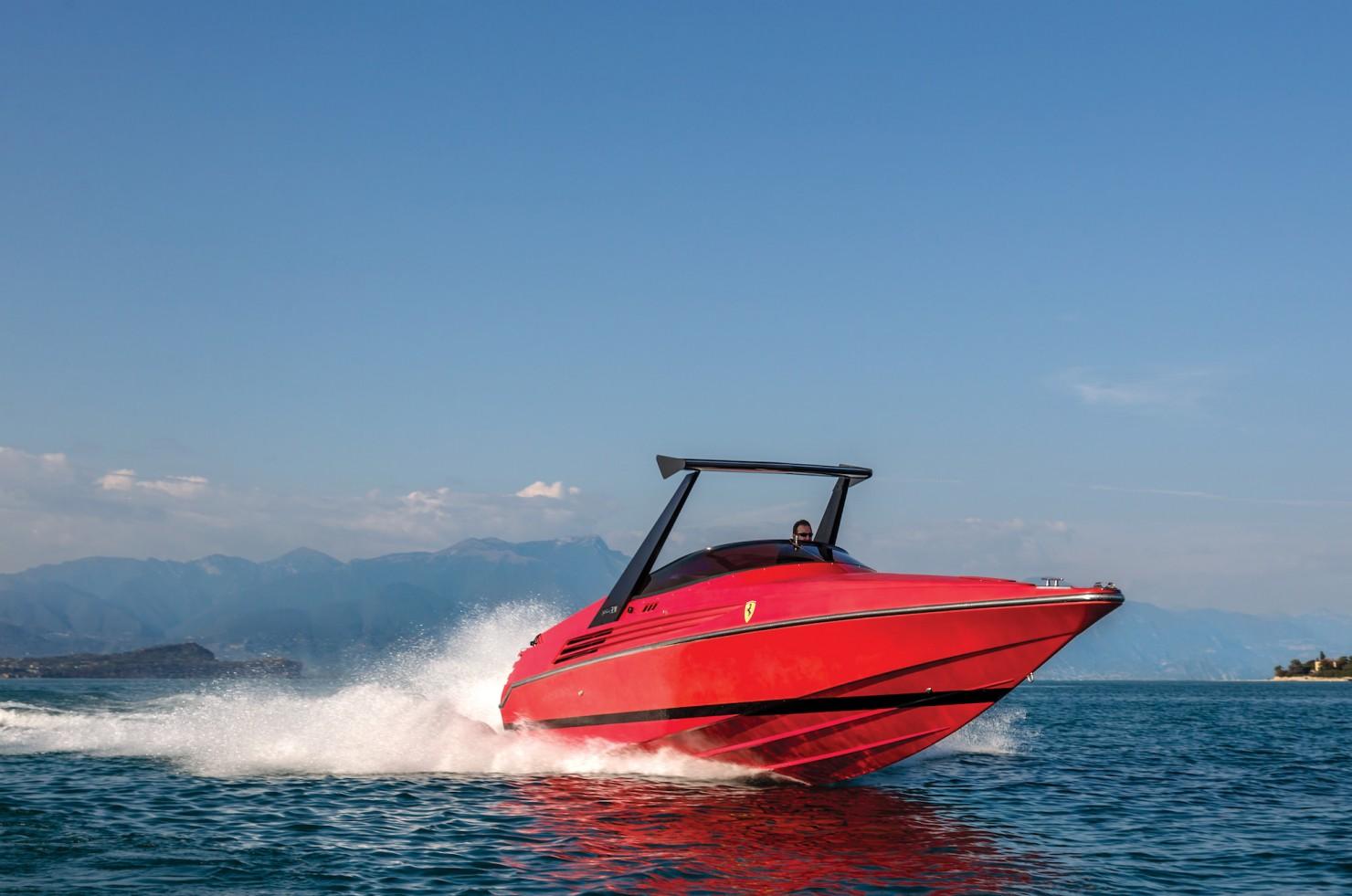 Riva Ferrari 32 8