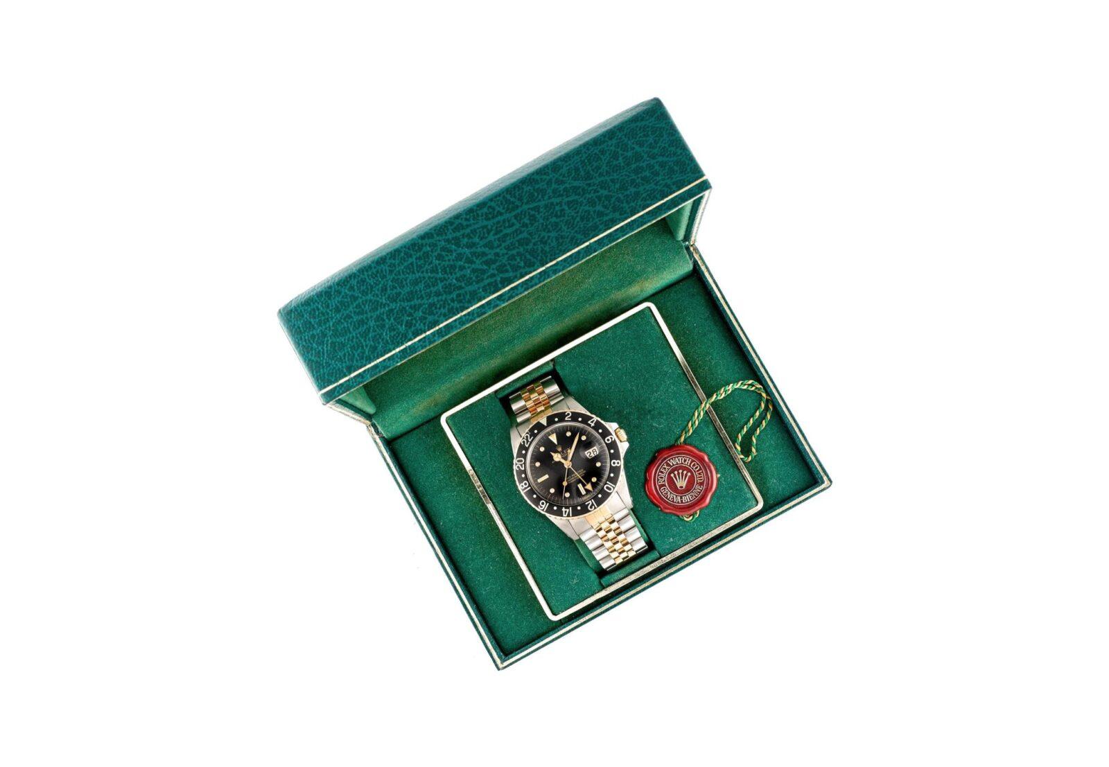 Rolex GMT Master 1 1600x1107 - 1982 Rolex GMT-Master