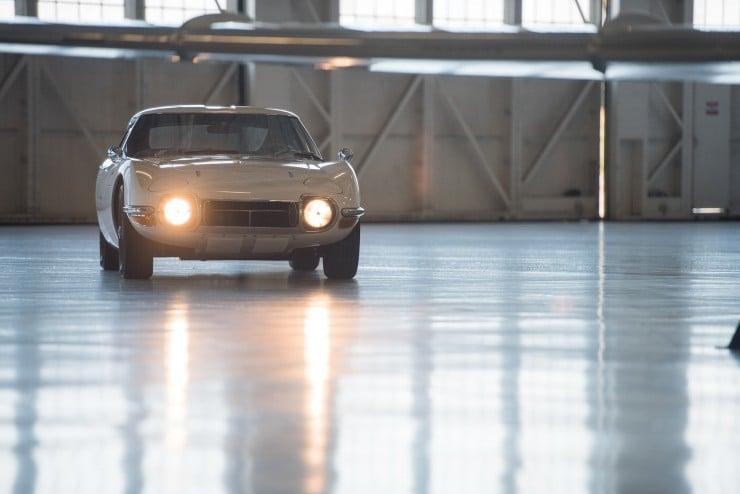Toyota 2000GT 5