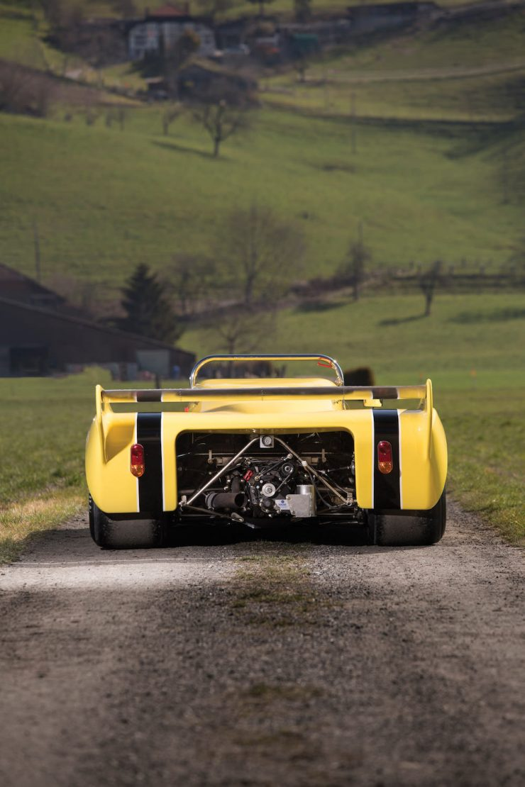 Chevron Racing Car 10