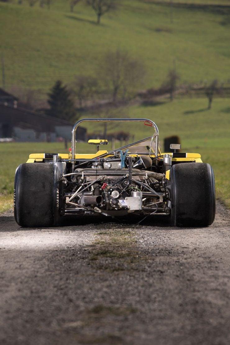 Chevron Racing Car 16