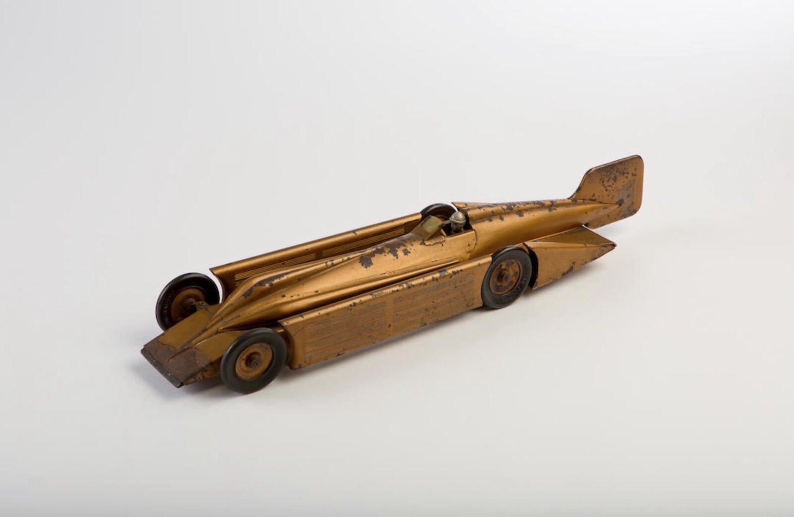 Clockwork Tinplate Toy Cars 1600x1042 - Clockwork Tinplate Toy Cars