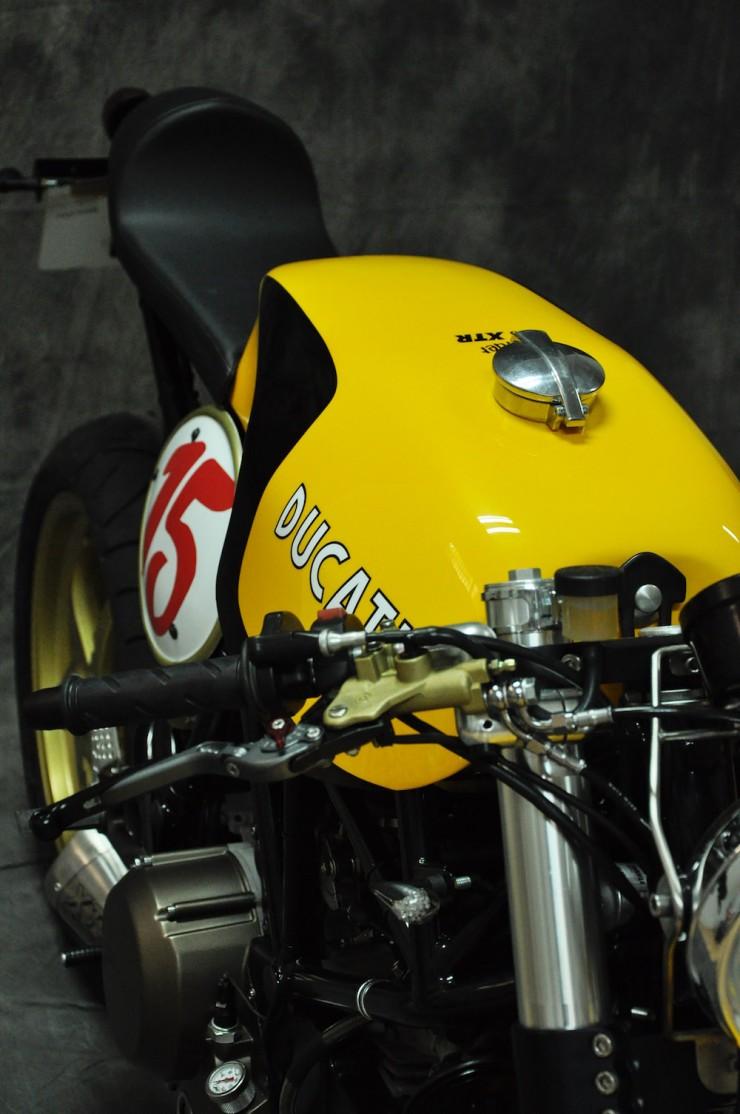 Ducati 750 SS 13