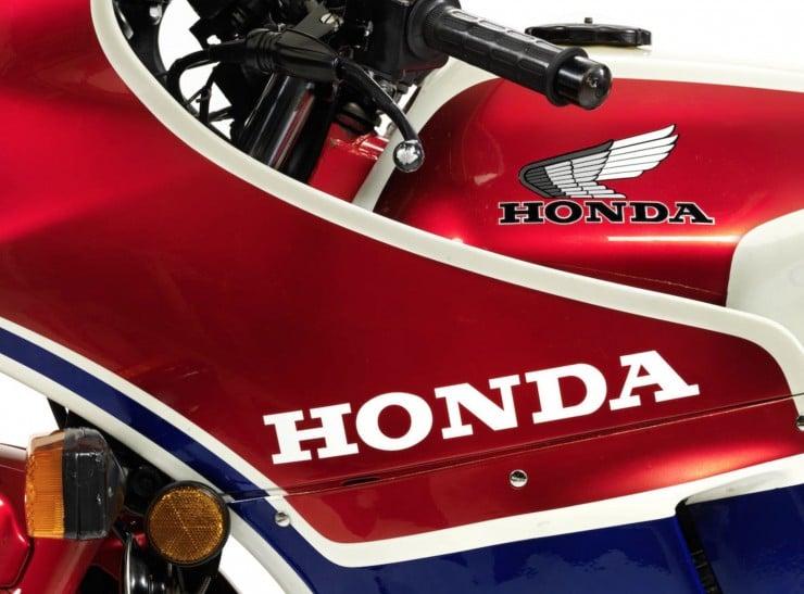 Honda CB1100R 3