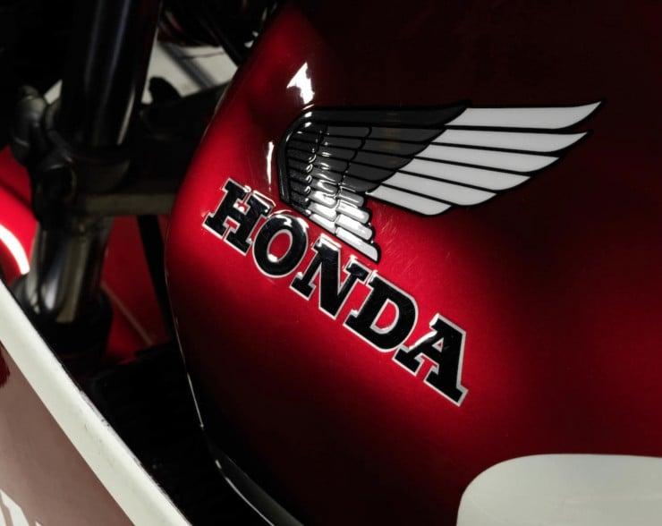 Honda CB1100R 4