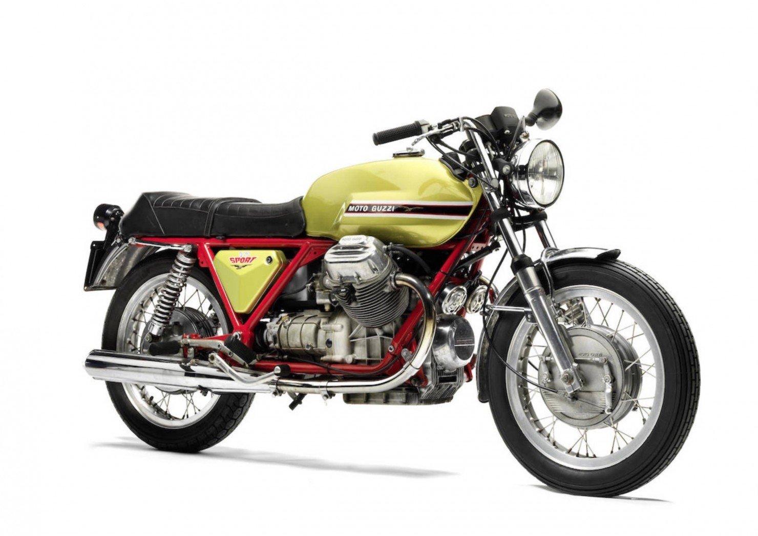 Moto Guzzi V7 Sport 1