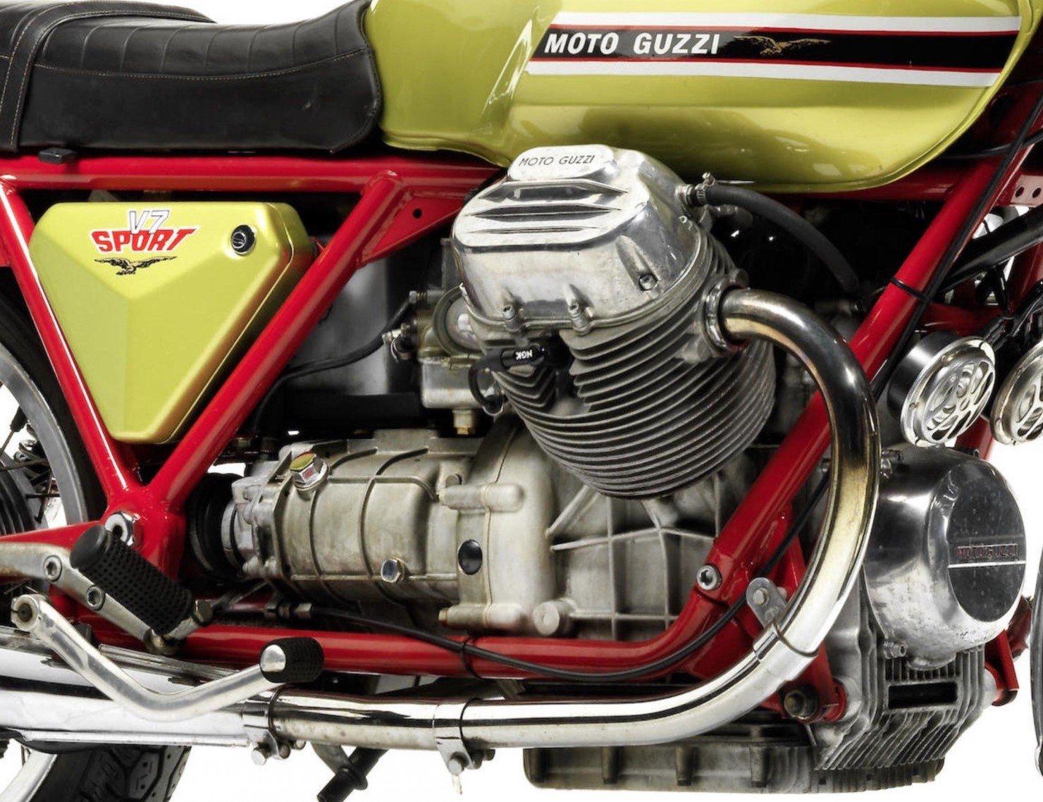 Moto Guzzi V7 Sport 5