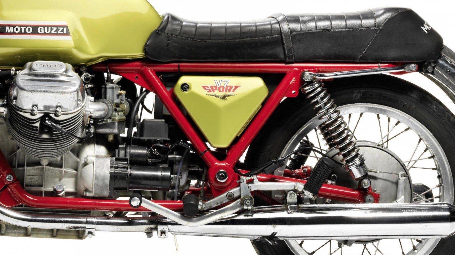 Moto Guzzi V7 Sport 6