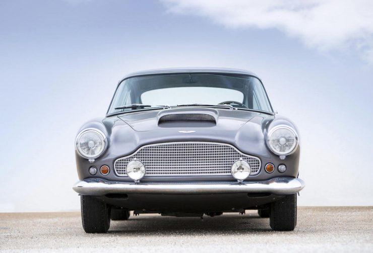 Aston Martin DB4 1