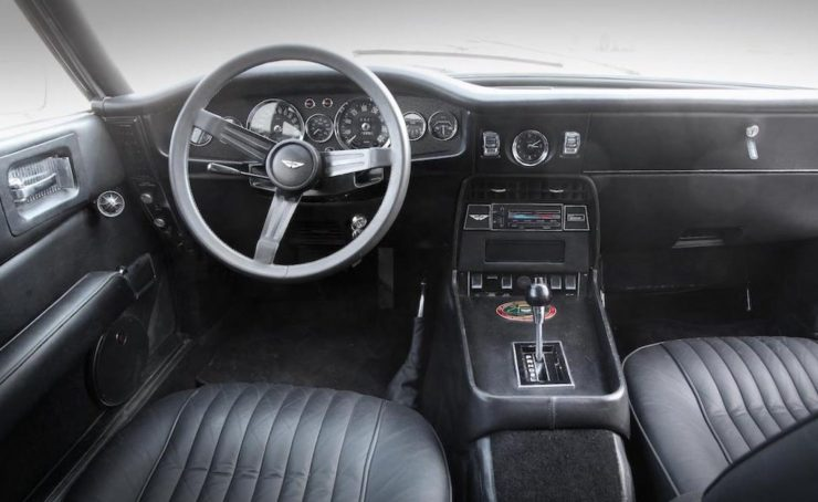 Aston Martin V8 10