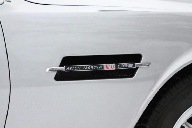 Aston Martin V8 13