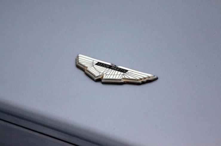Aston Martin V8 14
