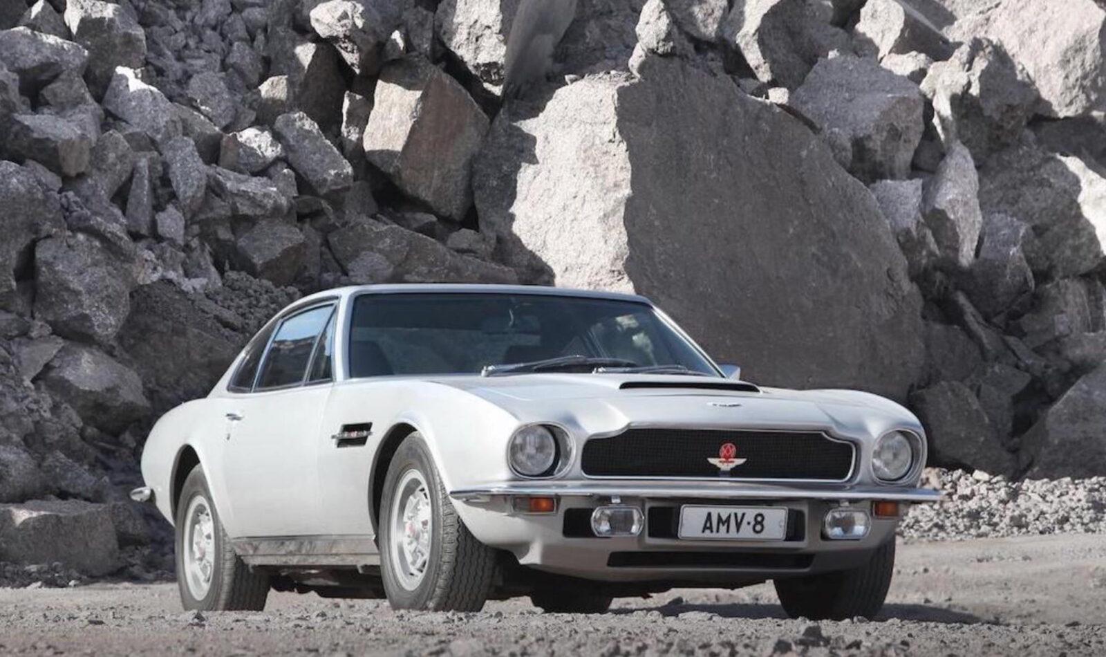 Aston Martin V8 1600x950 - Aston Martin V8