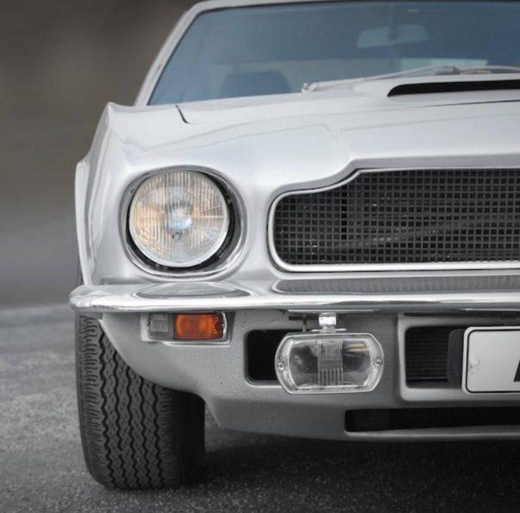 Aston Martin V8 4