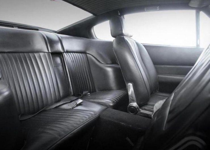 Aston Martin V8 8