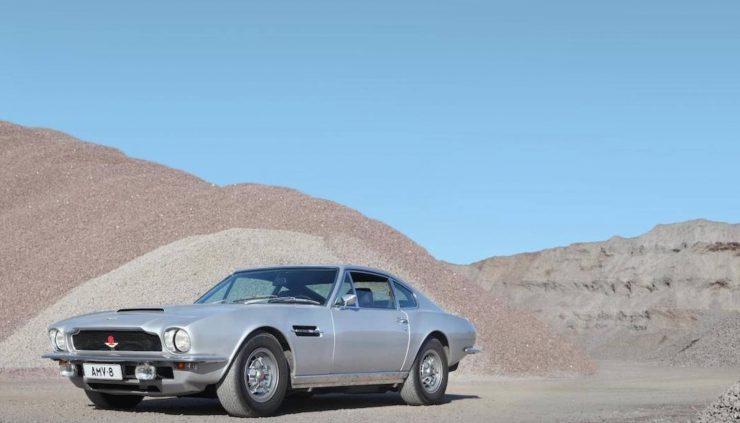 Aston Martin V8 9