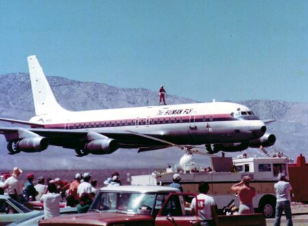 The Human Fly On Plane 450x330 - The Human Fly Challenges The Skies Of Mojave