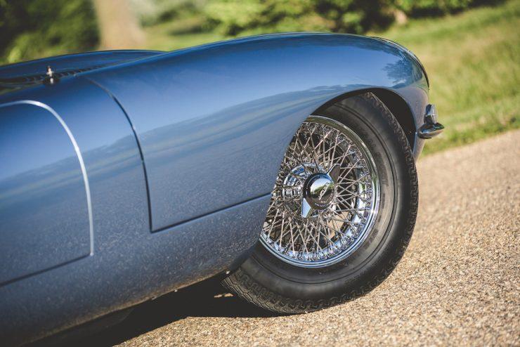 Jaguar E-Type Roadster 11