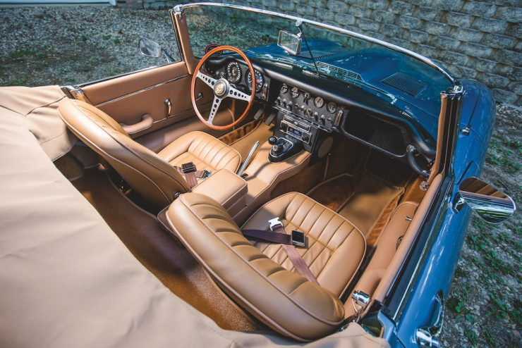 Jaguar E-Type Roadster 15