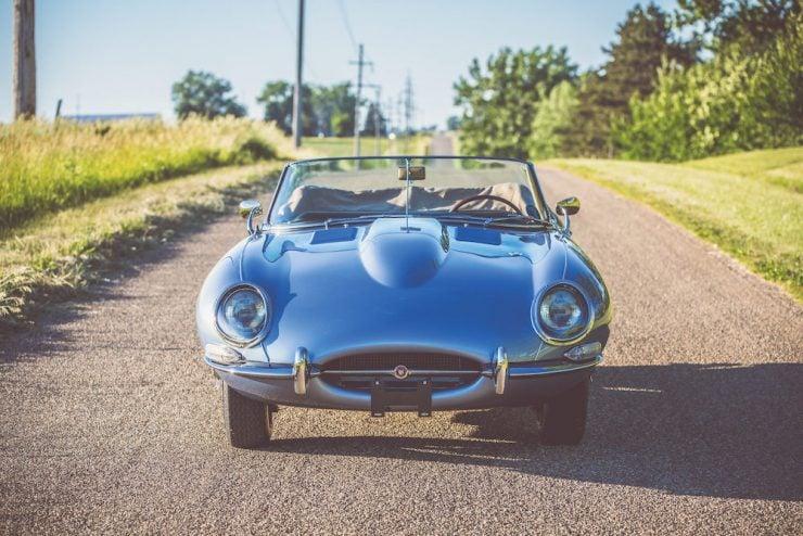 Jaguar E-Type Roadster 2