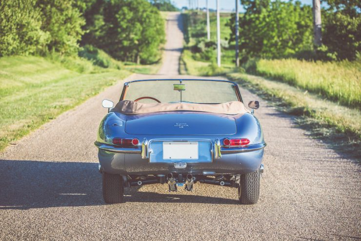 Jaguar E-Type Roadster 4