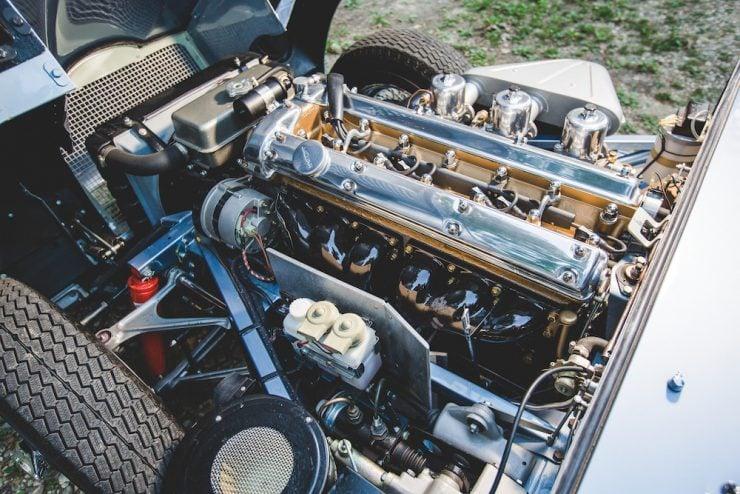 Jaguar E-Type Roadster 6