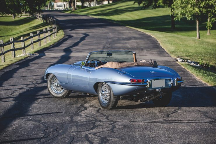 Jaguar E-Type Roadster 8