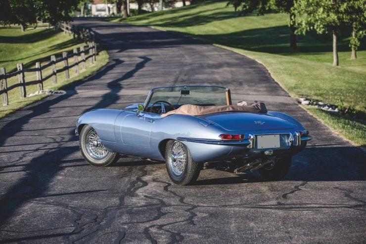 Jaguar E-Type Roadster 8