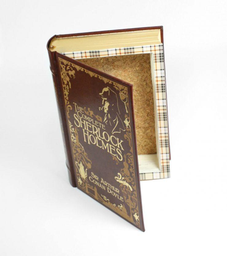 Hollow Security Book 4