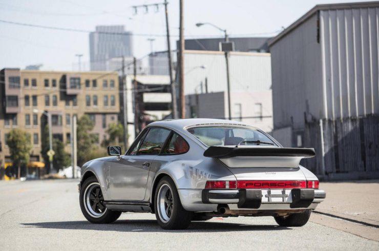 Porsche 930 6