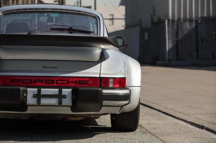 Porsche 930 7