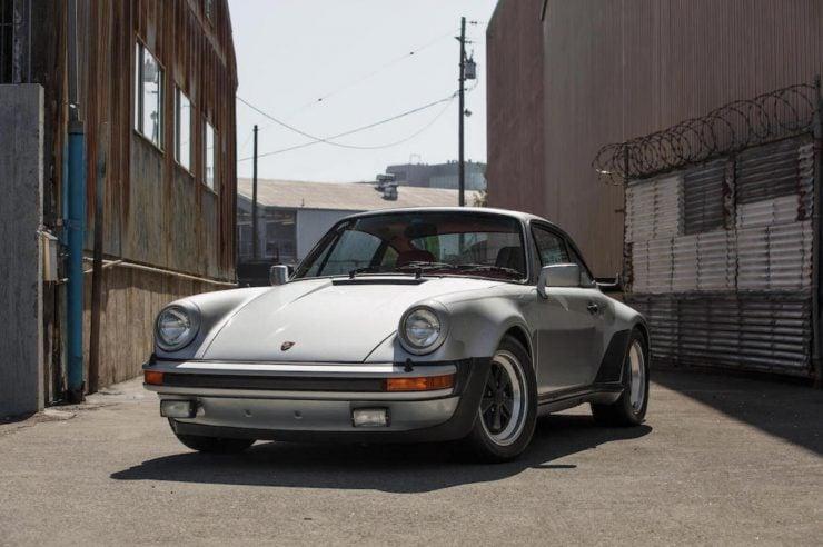 Porsche 930 8
