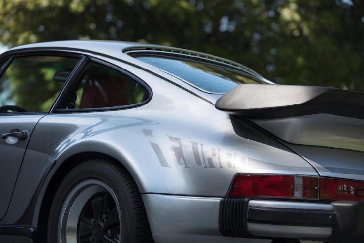Porsche 930 9