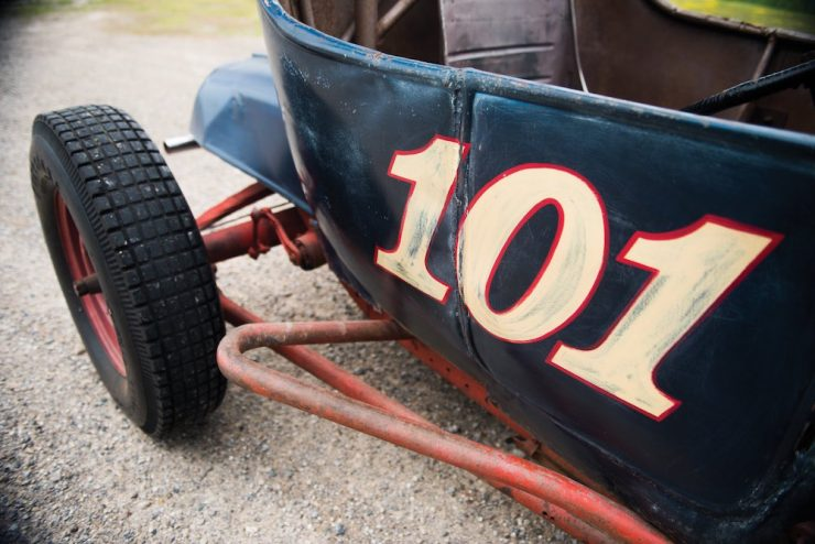 ford-dirt-track-racer-3