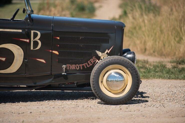 1932-Ford-Hi-Boy-Roadster-12