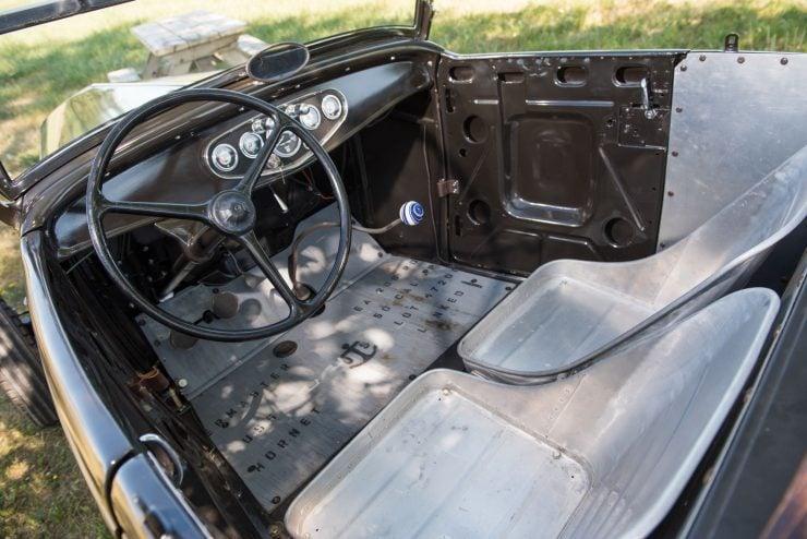 1932-Ford-Hi-Boy-Roadster-17