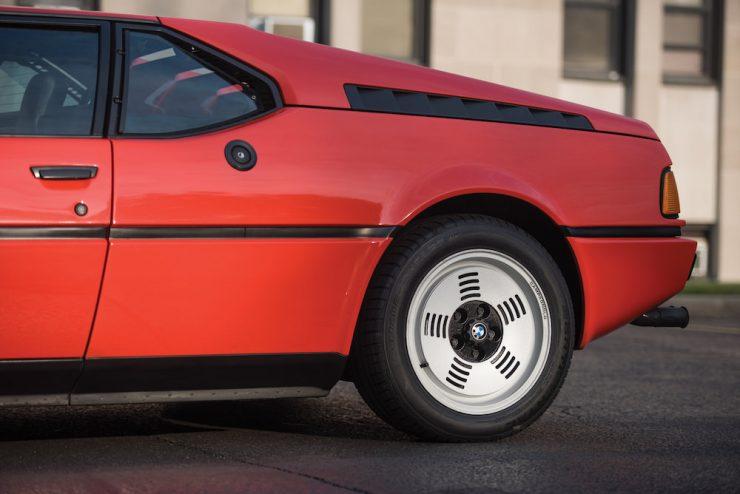 BMW M1 11