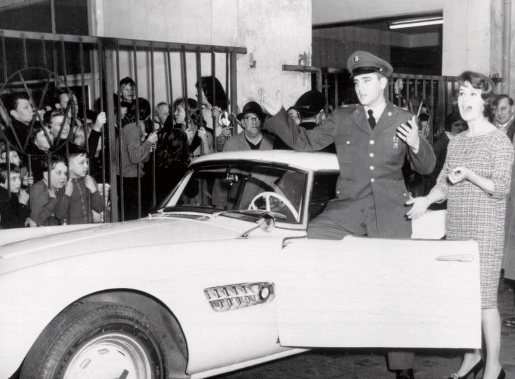 Elvis-Presley-BMW-507-1