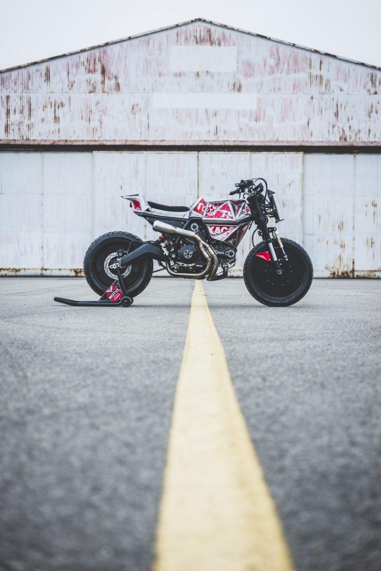 Vibrazioni Art Design Ducati Monster 800 12