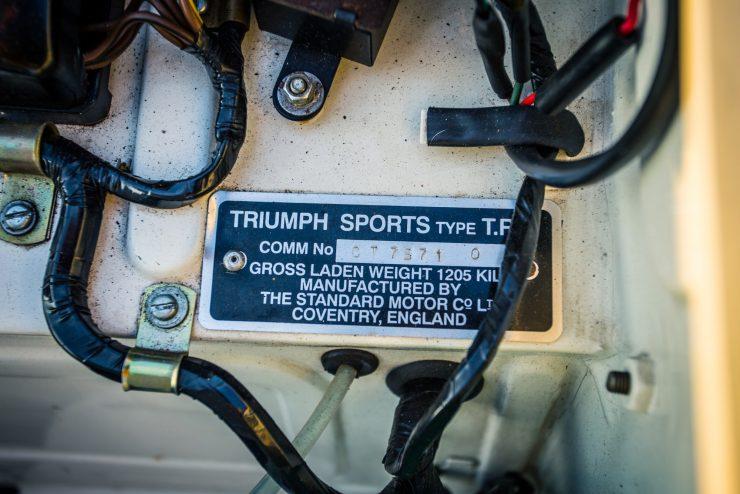 triumph-tr4-police-car-15