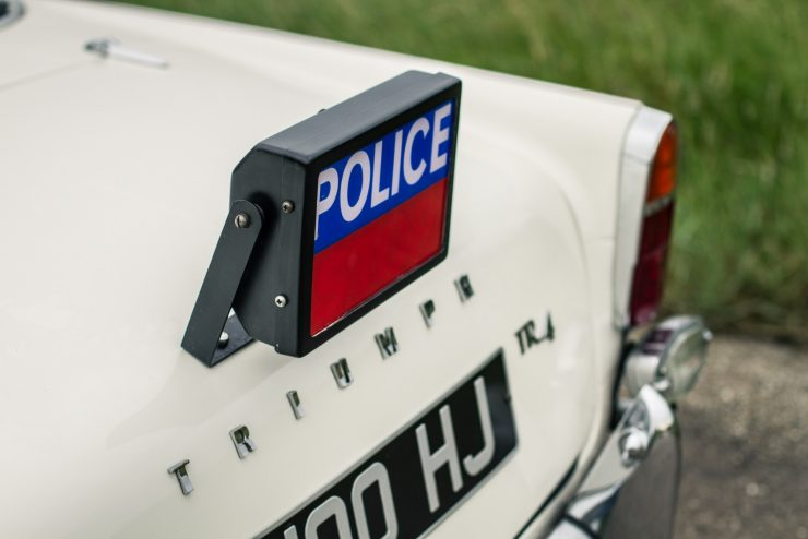 triumph-tr4-police-car-43