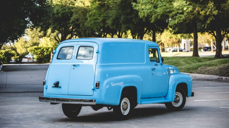 f100-ford-panel-truck-2