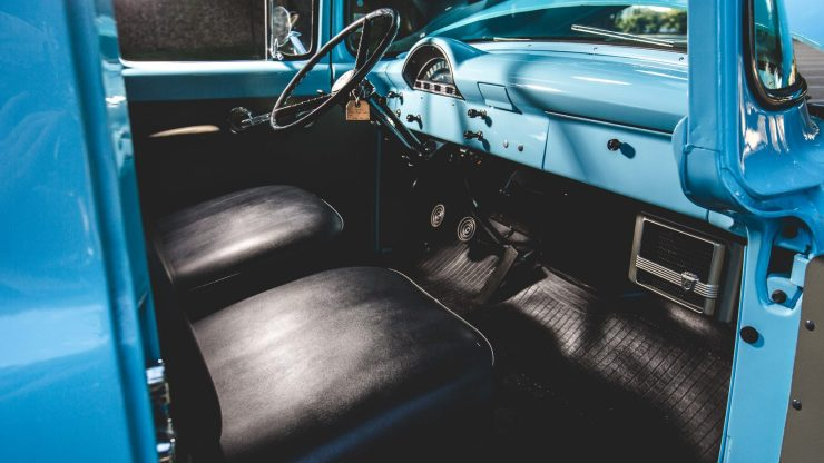 f100-ford-panel-truck-4