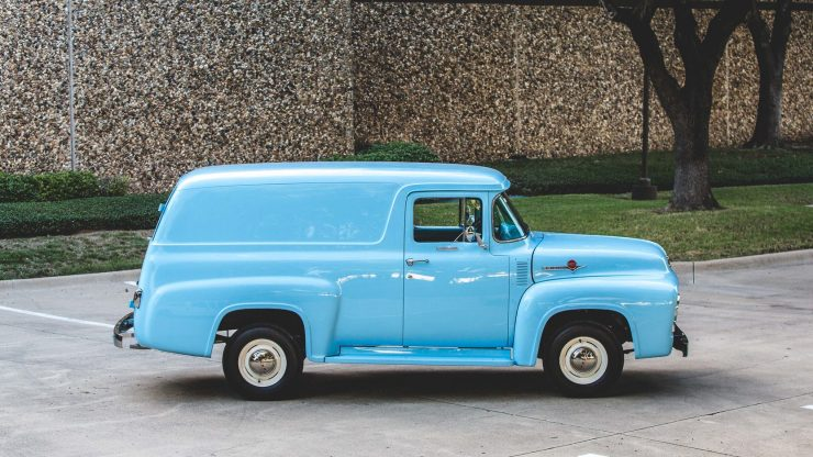 f100-ford-panel-truck-7