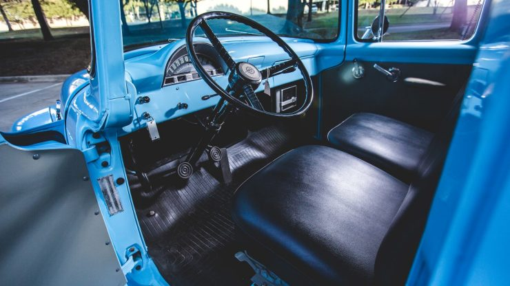 f100-ford-panel-truck3