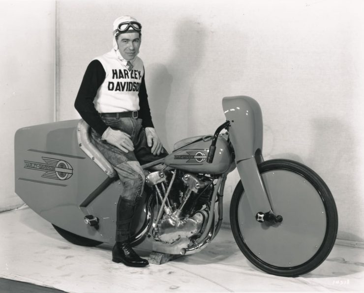 Harley-Davidson Knucklehead motorcycle speed record Joe Petrali 1937